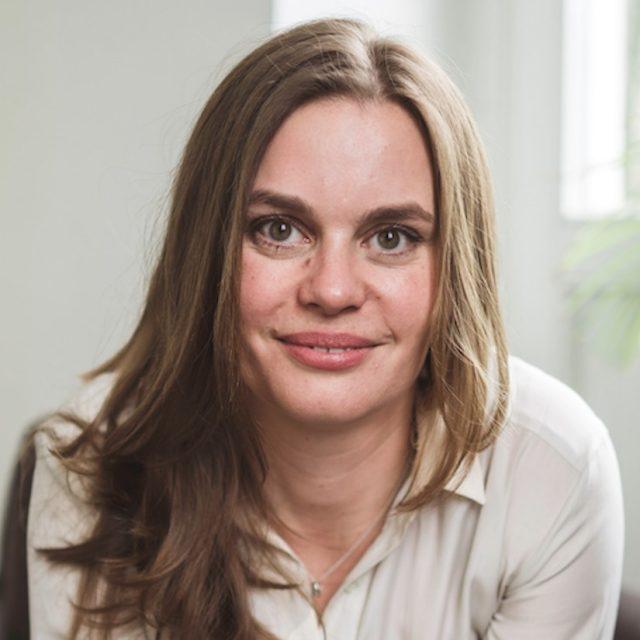 Dr. Eva Dresbach